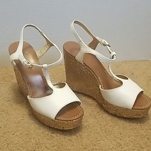 ♥️Kate Spade Gold and White Wedges